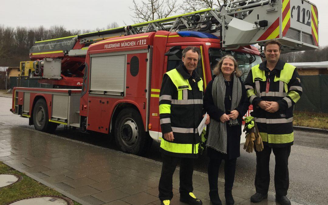 Mit viel PS ins neue Jahr 2018 dank Feuerwehr und BMW