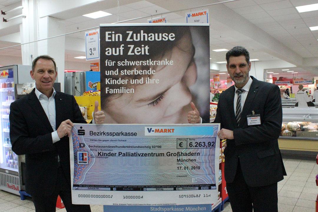 Kinderpalliativzentrum München, Scheckübergabe V-Markt